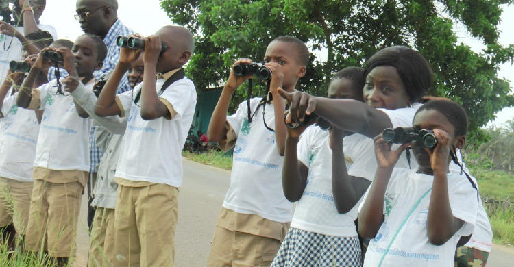 Schoolchildren during 2017 World Migratory Bird Day © Firmin Kouame, MINEF