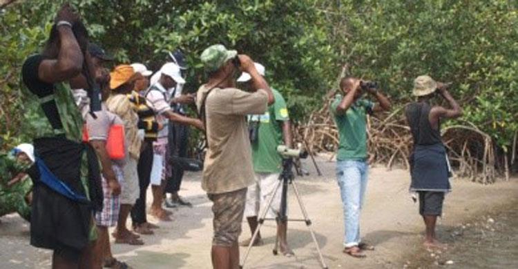 Participants à l'atelier dans le parc national d'Akanda