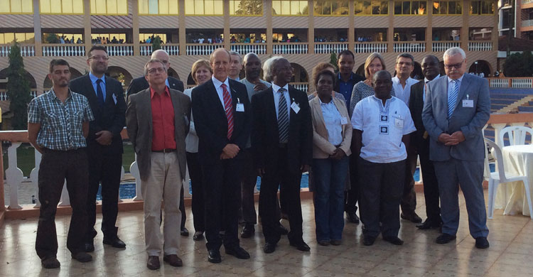 Les participants à la 10ème réunion  du Comité permanent  de l'AEWA qui s'est tenue du 8 au 10 juillet 2015 à Kampala, Ouganda
