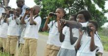 Des écoliers pendant la Journée des oiseaux migrateurs de 2017 © Kouassi Firmin Kouame, MINEF