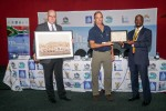Jacques Trouvilliez (AEWA Executive Secretary), Ohad Hatzofe (Israel) receiving the 2018 Waterbird Conservation AEWA Award, Barirega Akankwasah (Uganda / Chair of the AEWA Standing Committee) © UNEP/AEWA Secretariat